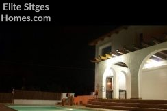 Sitges Olivella stunning private villa for rent HO12LT