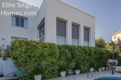 Stunning bright villa for sale in Quint Mar, Sitges HS238FS