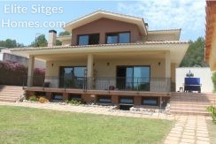 Sunning Sitges villa for sale in Can Pei HS245FS